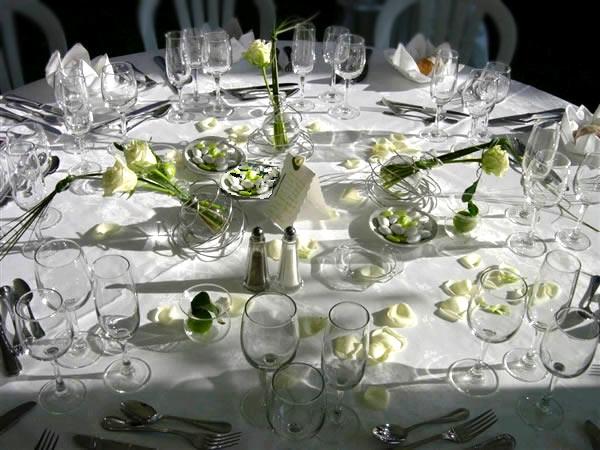 decoration table ronde anniversaire ky26 montrealeast. Black Bedroom Furniture Sets. Home Design Ideas